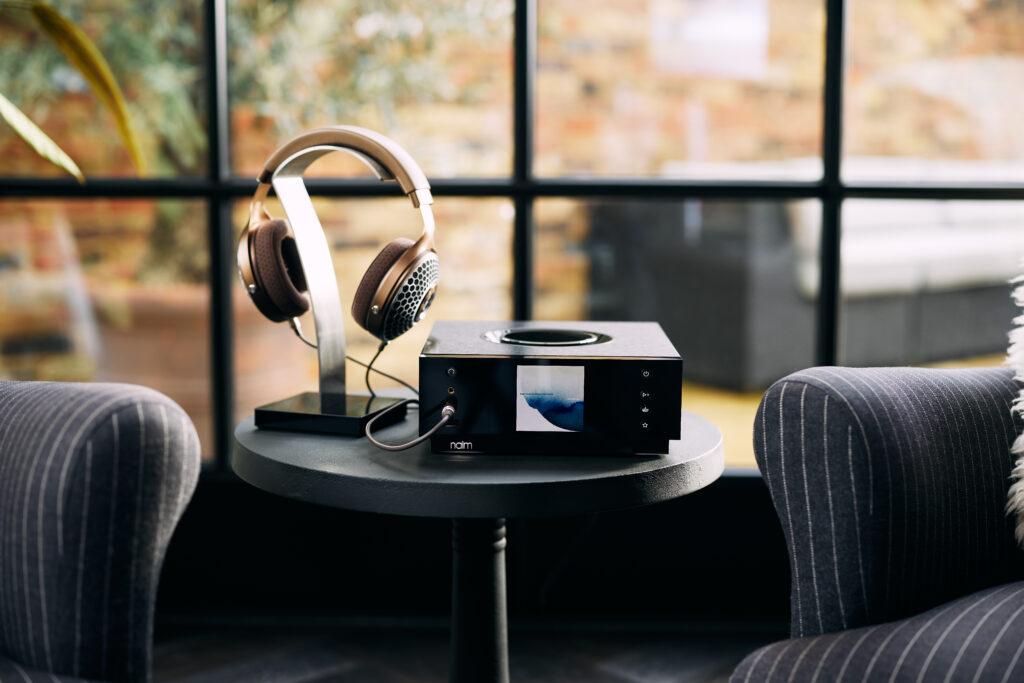 Naim Audio - Lifestyle00088 - Hook Clear MG